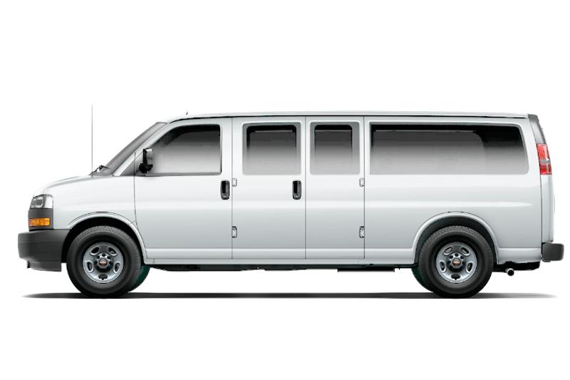 Renta en el eropuerto de cancun un Chevrolet Express Van 12 pax